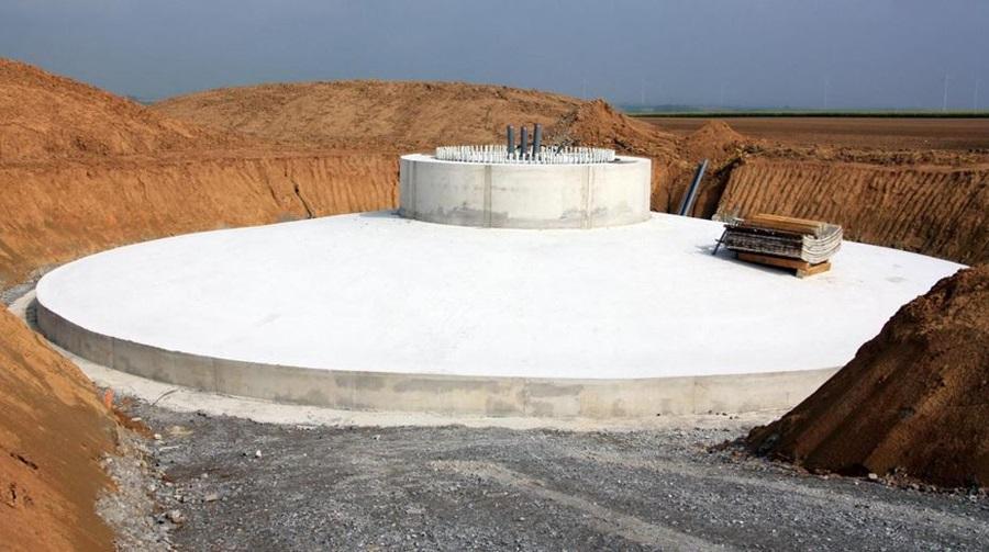 Socle d'éolienne en béton de 1300 tonnes